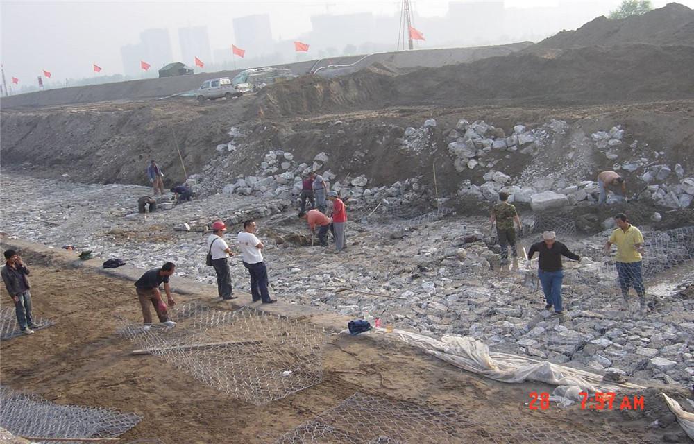 河南范xianhui民河堤改造工程